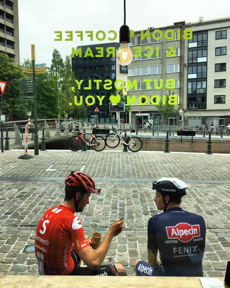 Tiesj Benoot & Otto Vergaerde bij Bidon Gent - wielercafes.be